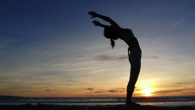 腰痛改善に効果的なストレッチ方法!L.A.整体・整骨院