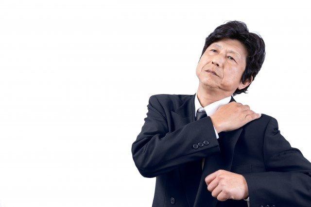 四十肩・五十肩におすすめのストレッチ法~早期改善できる治療法は?